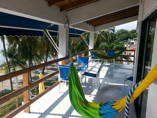 Casa en la Playa Con Vista al Mar - Santa Marta - Casa