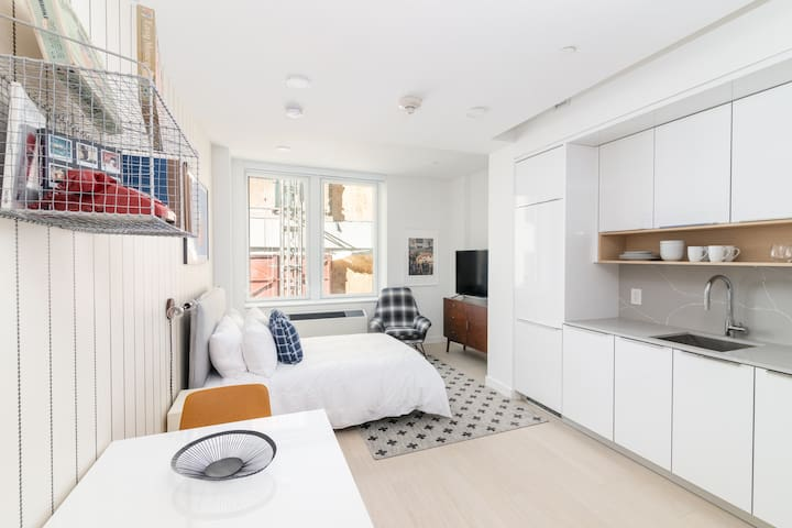 Sonder | Wall Street | Quaint Studio + Kitchen