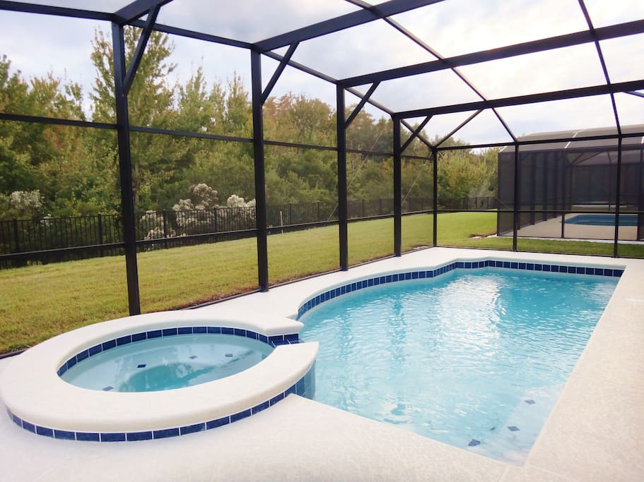 Private pool with spa overlooking conservation area