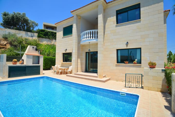 Limassol villa with private pool
