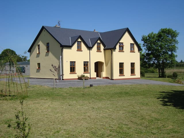 Whitethorn Farm - Lavagh - Pousada