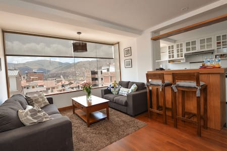 BEAUTIFUL, WARM, VIEW, SAFE, GREAT VALUE, SLEEPS 4