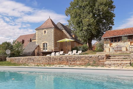 Cosy Holiday Home in Archignac with Private Pool