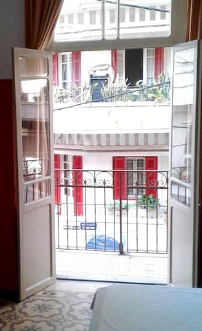 Studio Apartment with Balcony in Mar Mikhael - Bayrut