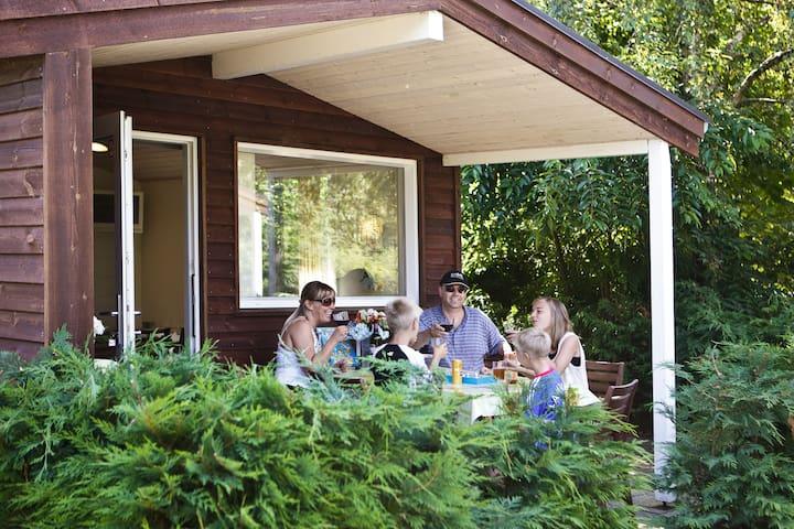Lækker hytte med gratis badeland og cykelleje. - Oksbøl
