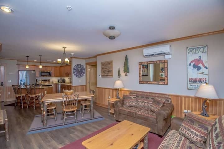 Beautiful Mountainside Condo In North Conway N.H.