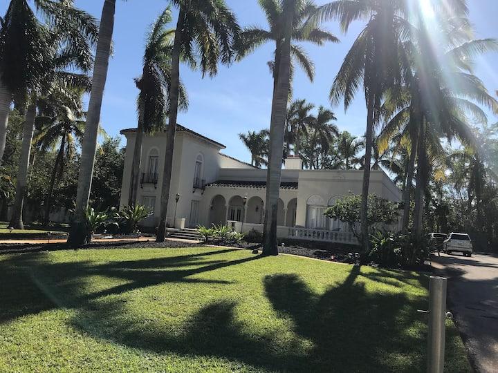 The Mizner Estate French Suite
