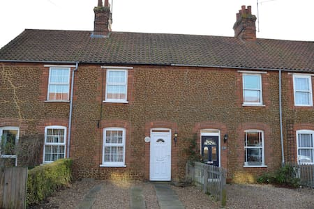 Penny Cottage - Heacham