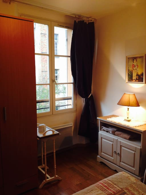 Chambre au calme centre ville d 39 aix appartements louer for Chambre calme en anglais