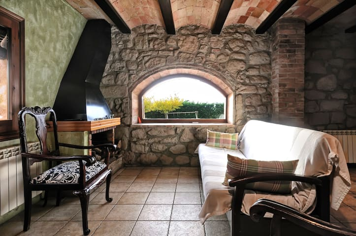 Country House 1 hour from Barcelona - Olvan - Ev