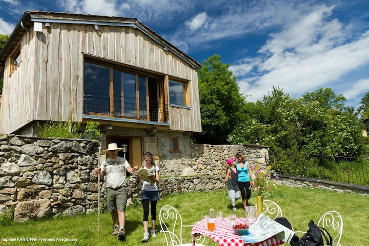 Gite de charme dans les Pyrénées  - Montseron - House