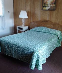 Waterfront motel room 6 w bath - Amsterdam - Autre