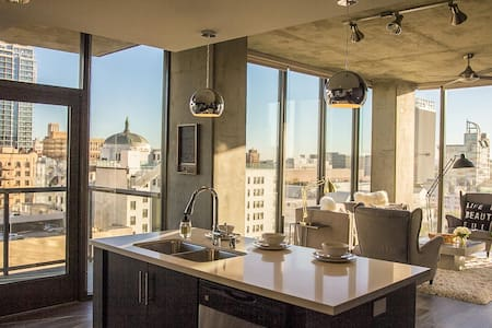 This large two bedroom unit is brand new, features its own private outdoor patio overlooking the Downtown LA cityscape. Just steps away from DTLA's best restaurants and shopping the building also features incredible, view, amenities & onsite parking.