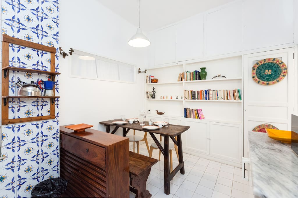 Costo Kitchen Table And Chairs
