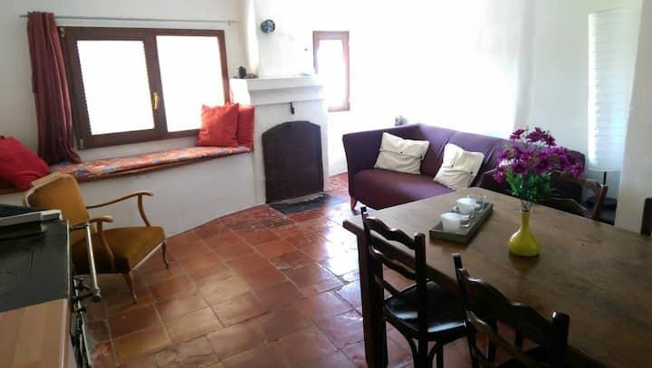 Fijn ruim appartement in authentiek dorpshuis