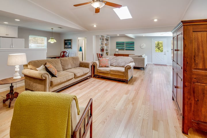 AGGIELAND DELIGHT Remodeled 4BR Near A&M Campus