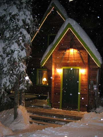 Chalet @ SilverStar - Ski in/out