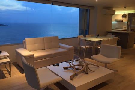 Casa OZ - Modern, Sleek and Spacious - Cartagena