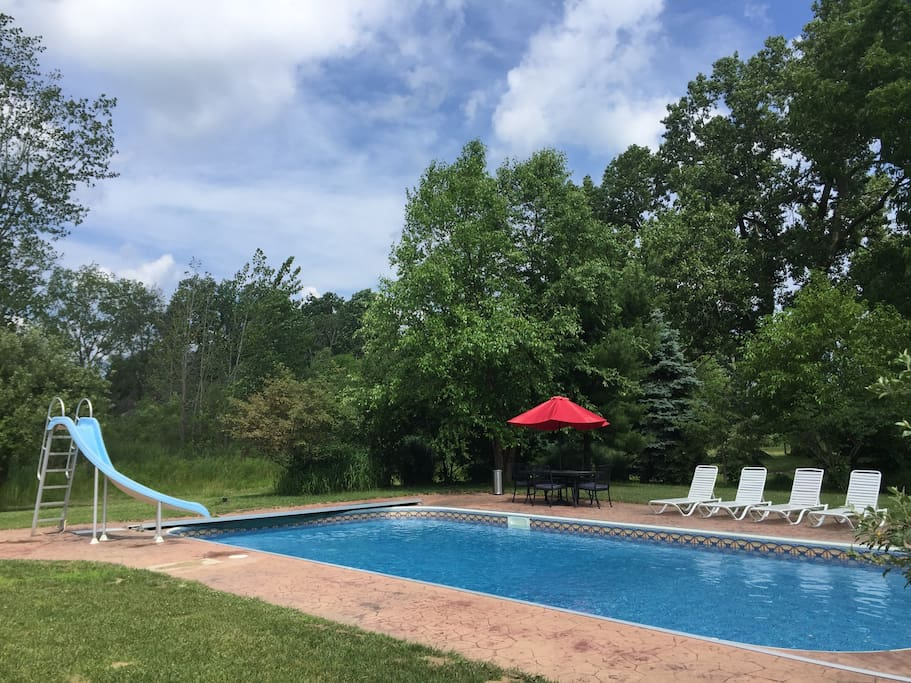 20'x40' Pool. BBQ by the pool
