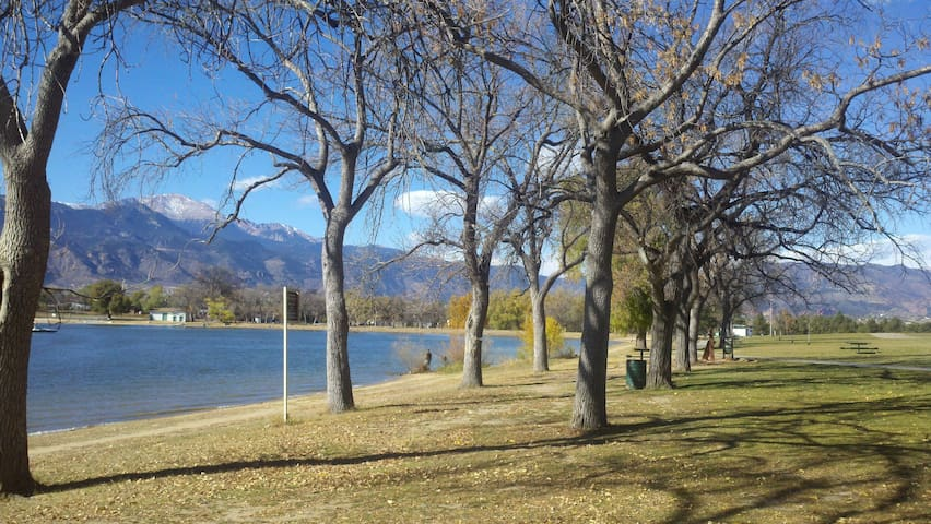 4 BLOCKS AWAY - Memorial Park - with views of Garden of the Gods in the distance! Swimming, boating, fishing, jogging trails.