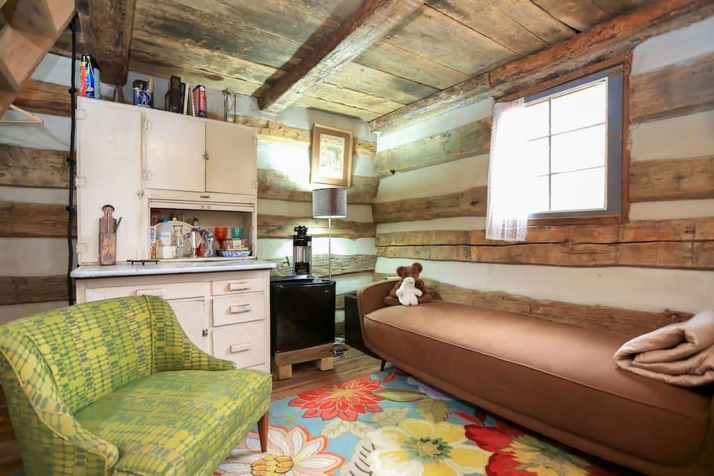 comfy furniture, cozy room