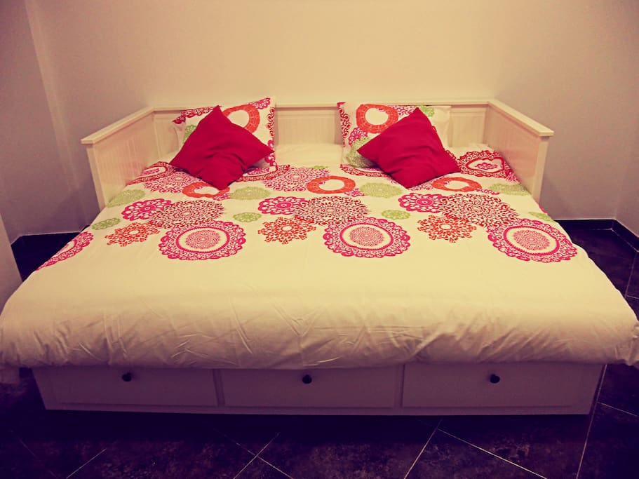 Double bed - Opened