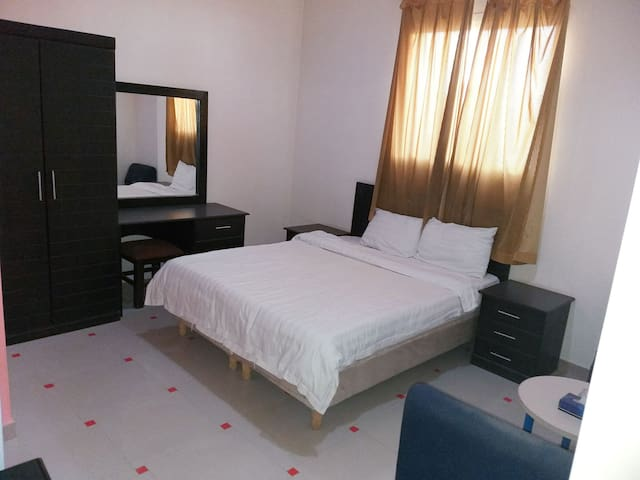 Excellent Full Furnished/Unfurnished Apartments