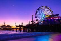 7 minutes walk to Santa Monica Pier