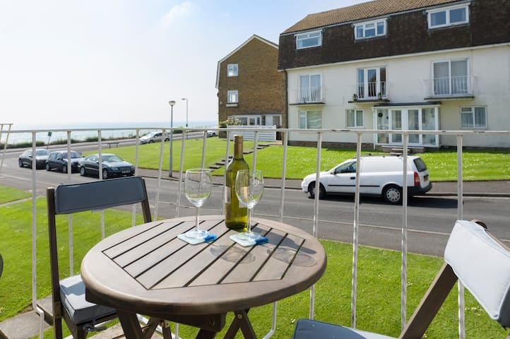 Two bedroomed flat with sea views - Broadstairs - Leilighet