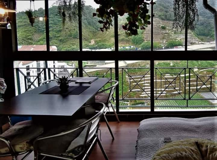 Misty Valley Vacation Home Rental Apartment.(迷雾山谷)