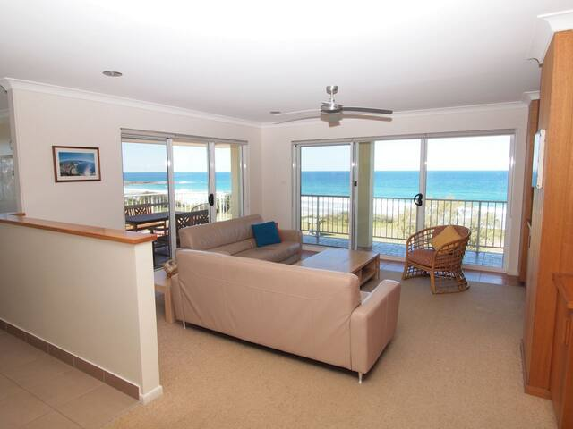 Pippi Beach Penthouse, panorama views  & pool - Yamba - Daire