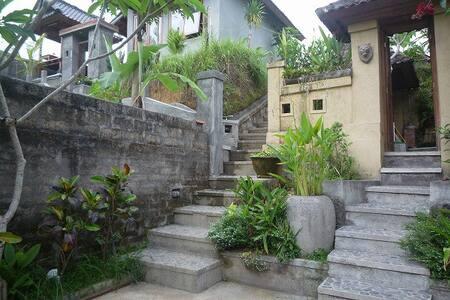 田園風景が美しいヴィラ UMA CAMING NO 2 - Payangan - House