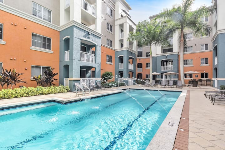 DHS at Coral Gables 2BR Suite with FREE PARKING