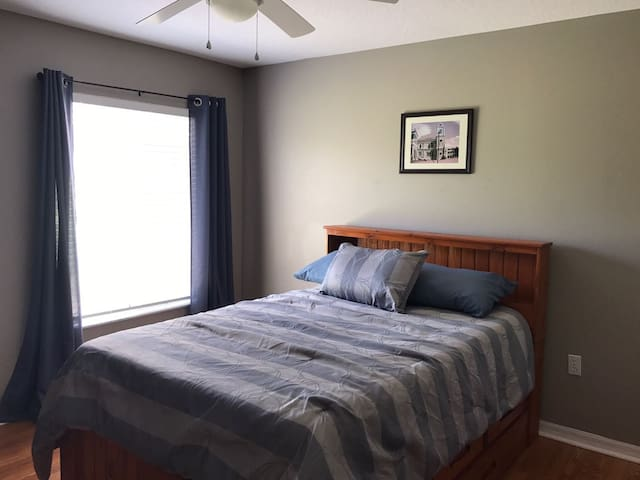 Convenient apartment behind home. - Deltona - Apartment