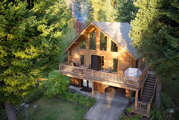 LogCabin with Dock on Flathead Lake