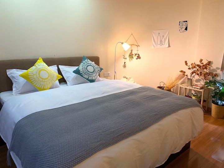 万达泰富月星旁新文化广场日系温馨大床房