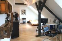 Gemütliches 26 qm Zimmer zentral mit Hängematte :)