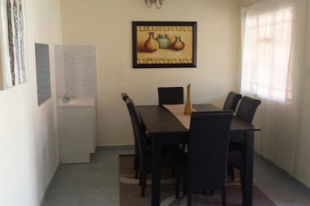 Fully Furnished  Apt Near Airport - 路沙卡(Lusaka) - 公寓