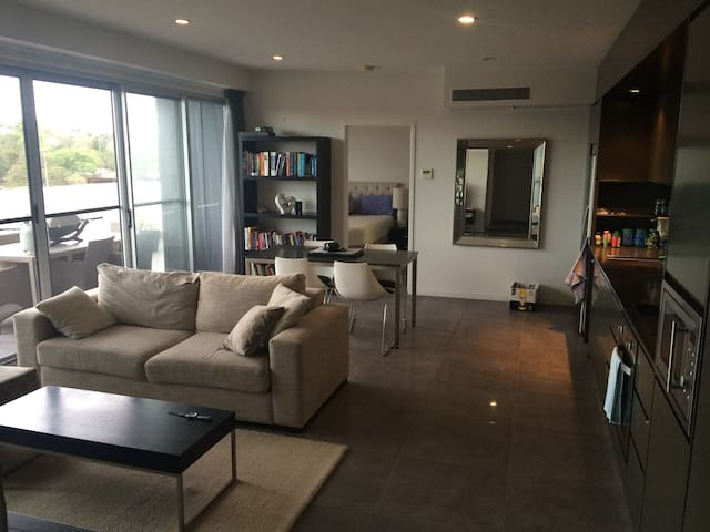 Sunny Executive Room with a View - St Lucia - Apartament