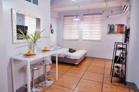 Cristina's Place - B25