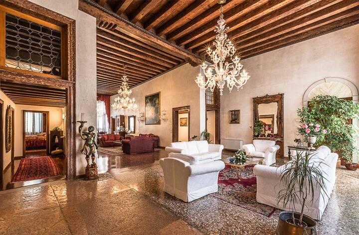Splendido piano nobile di palazzo