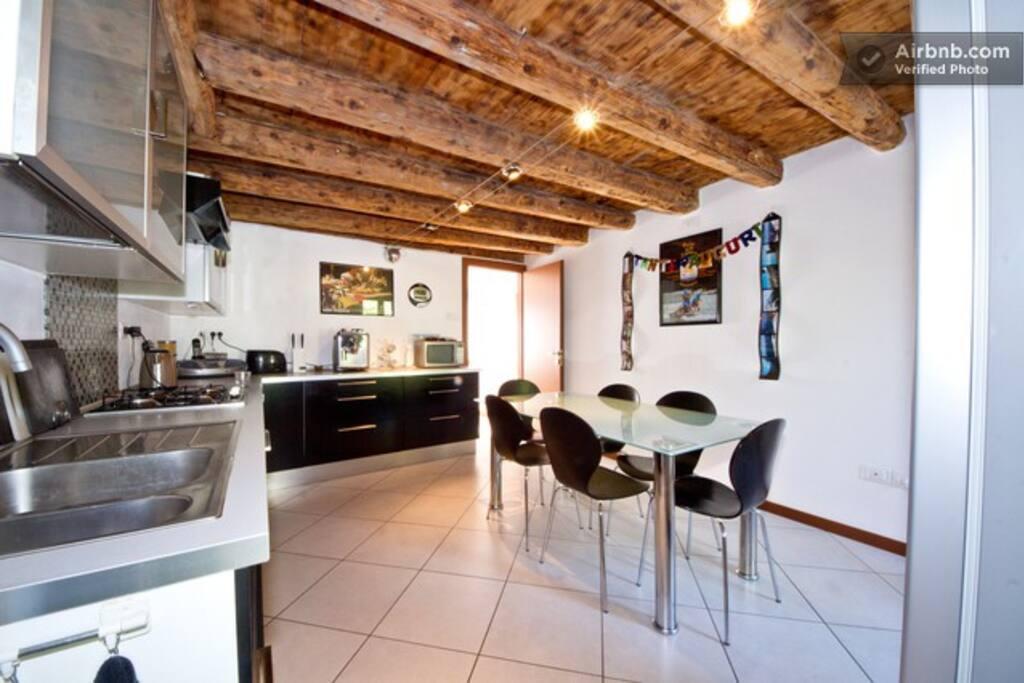 Modern kitchen & Breakfast room