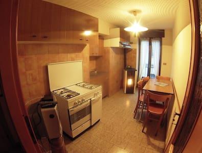 Confortevole appartamento centro  - Vezza d'Oglio - อพาร์ทเมนท์