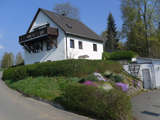 Ferienwohnug im schönen Erzgebirge - Marienberg - Apartemen