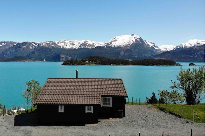 Varaldsøy, Hardangerfjorden - Hytte m/båt, 8 pers.