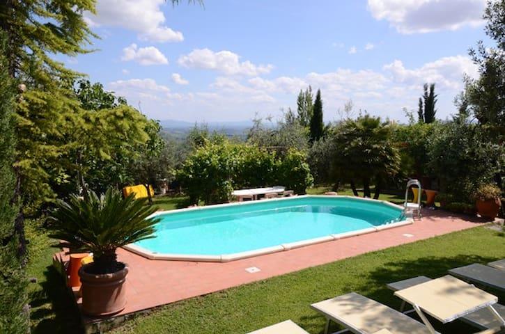 Casa vacanza per relax e intimità - Certaldo - House