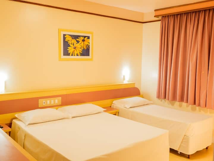 QUARTO STANDARD TRIPLO - HAMBURGO PALACE HOTEL