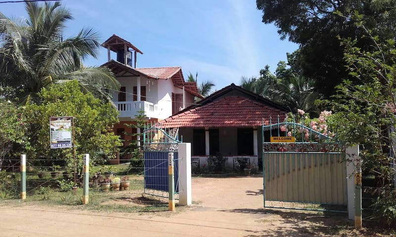 Off beach flat in kahandamodara - Ranna