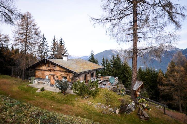 Almhütte direkt an der Skipiste - Oberperfuss - Alpstuga
