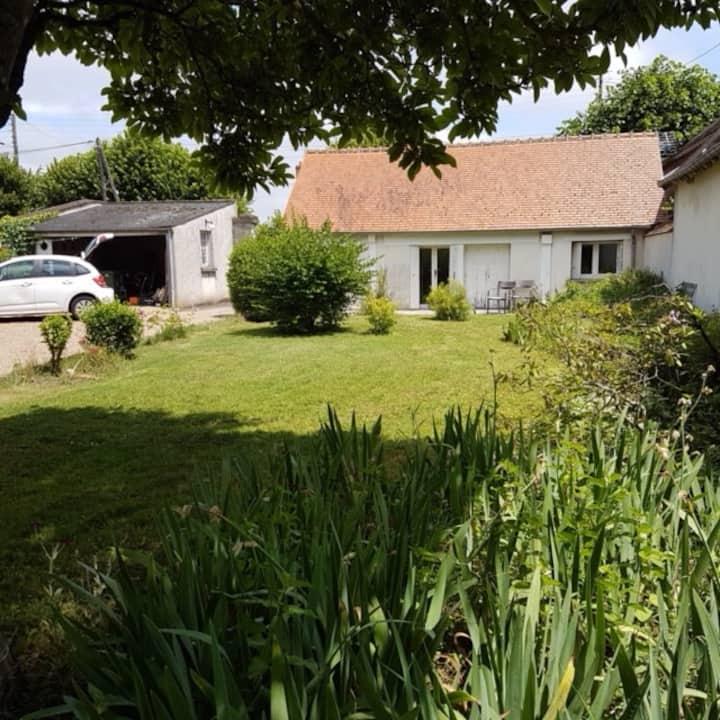 Maisonnette de plein pied sur  jardin à Olivet